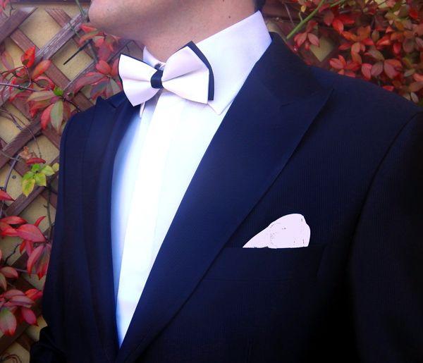 Pajarita blanca con nudo negro http://comprarcorbata.com/pajaritas/lisas/pajarita-blanca-con-nudo-negro.html