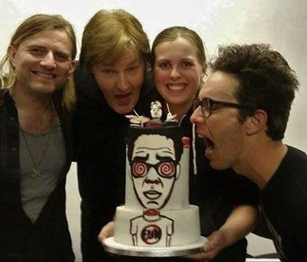 FAMOUS CAKE! I LOVE these guys! #RyanHamilton #MichaelRichards #RobLane #PeopleOnVacation #afoolscakes