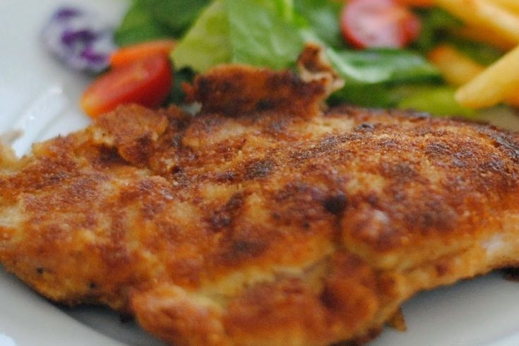 Chuleta valluna, or Colombian Pork Milanese, is one of those classic recipes made all over Colombia. It brought back beautiful memories of my childhood.