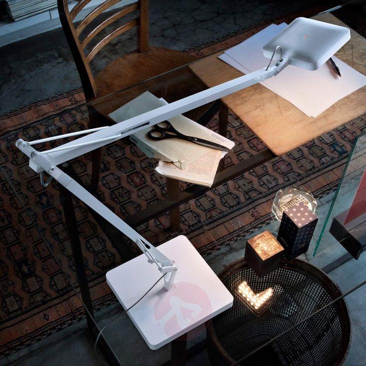 LED-Schreibtischlampe aus dem Designerhaus FLOS. Perfekt auch für schwere Sehaufgaben am Arbeitsbereich in Büro, Atelier oder Homeoffice.