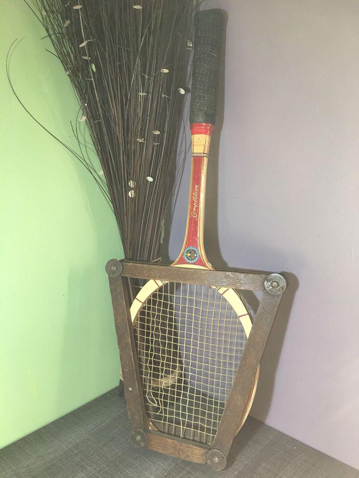 Le chouchou de ma boutique https://www.etsy.com/fr/listing/494521192/raquette-de-tennis-ancienne-en-bois