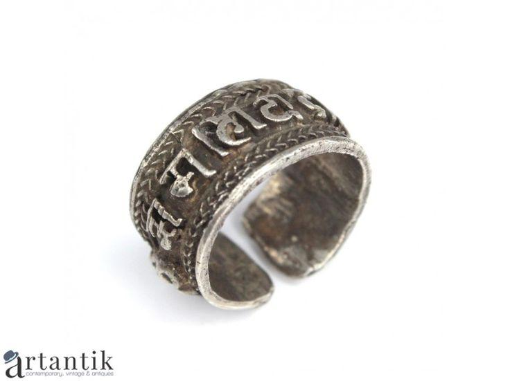 Inel - amuleta tibetan - mantra Om Mani Padme Hum - argint