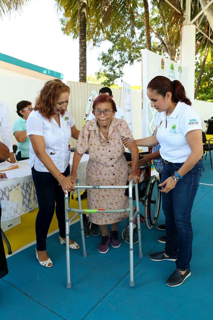 * Se entregaron lentes y aparatos ortopédicos a 148 adultos mayores * En coordinación con la Beneficencia Pública del Estado. Chetumal, Quintana Roo a 4 de agosto de 2017.- En el marco del Día Nacional del Adulto Mayor que se celebra este mes de agosto, el Sistema DIF Quintana Roo en coordinación con la Administración…