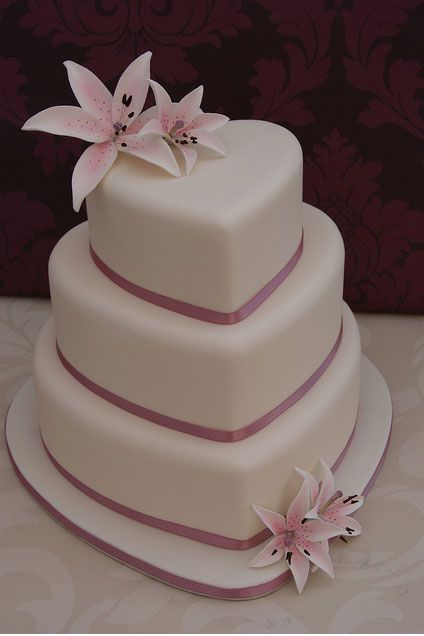 heart wedding cakes | The Wedding Collections: Heart Wedding Cakes