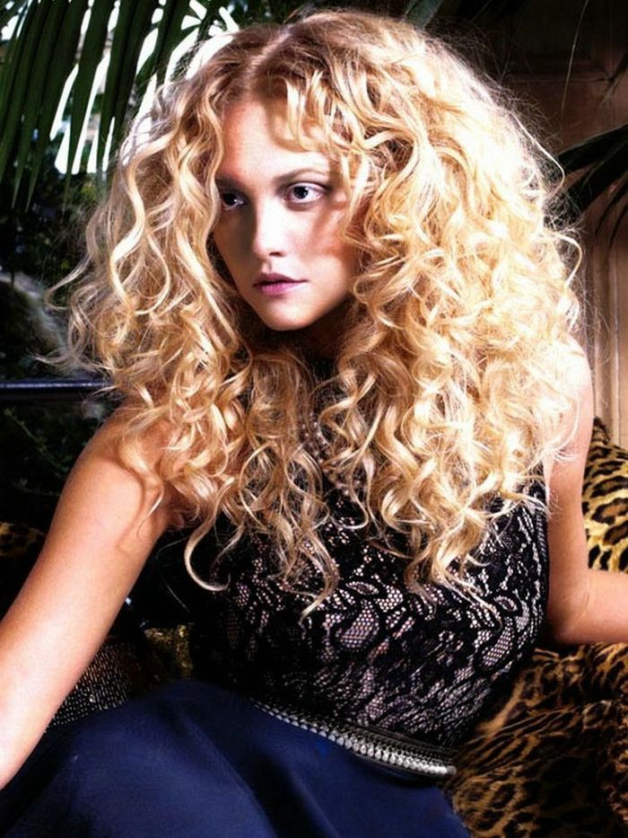 Long Natural Curly Hair Styles