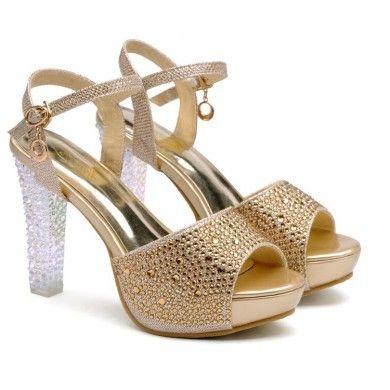 SANDÁLIA DOURADA COM CRISTAS - Sandália de couro ecológico com cristais e salto em acrílico. Salto de 11cm e meia pata de 3cm. Sapatos Importados. Tamanhos 33 ao 37 - Só R$ 299,00!!!