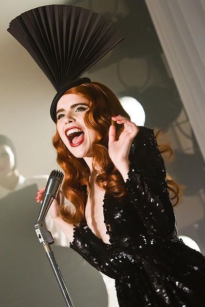 Paloma Faith is fabulous! only Paloma could pull off that head dress