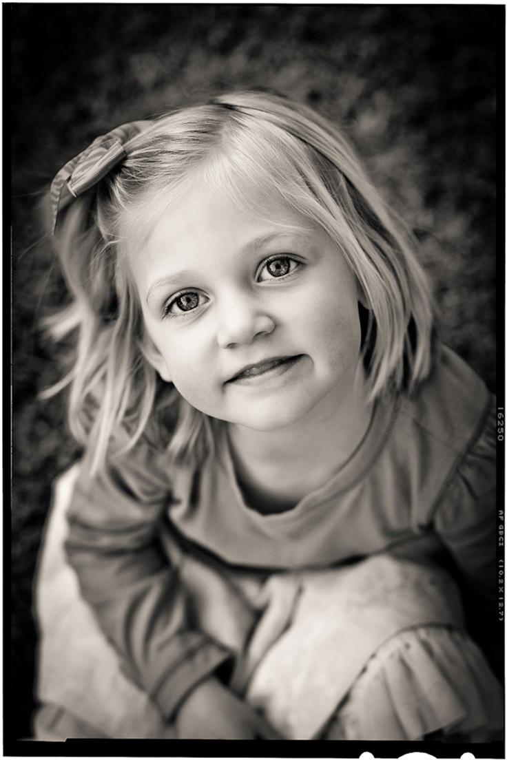 magazine style b&w little girl's outdoor portrait in california by children's photographer marc weisberg