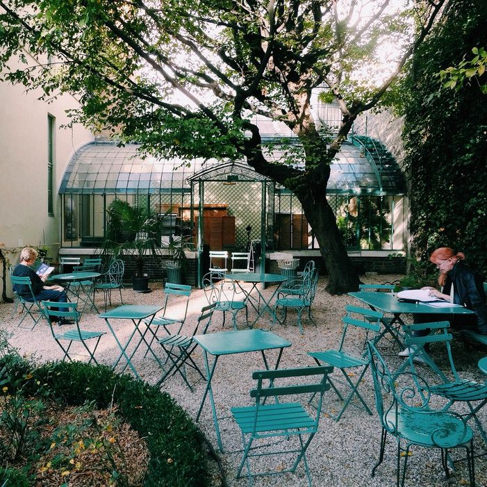 Paris 9e - Musée de la Vie Romantique - when you want to escape the crowds, pay a visit to the Musée de la Vie Romantique. From April to October, you can drink a nice tea or coffee outside and feel like you're in the most romantic courtyard in the world - 16 Rue Chaptal