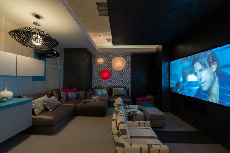 Yes! Enjoy the movie! Here you can appreciate the completed room. Combination of patterns and colors, harmonize with neutral tones.