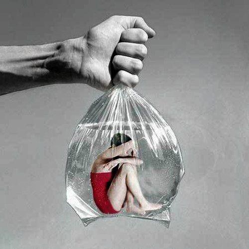 """Il nostro pensiero è in grado di modificare il nostro comportamento. Quando """"ad avere la meglio"""" sono pensieri fallimentari, ciò può determinare lo svilupparsi dell' Impotenza Appresa, una condizione che fa guardare a se stessi come una persona fallimentare e che può gettare le basi allo svilupparsi di sintomi depressivi. vediamo brevemente di che si tratta."""