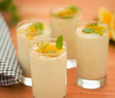 Apelsinsmoothie med kanel och banan är lättlagat och gott som mellanmål eller efterrätt. Pröva dessa läckra smoothies med apelsiner, bananer och kanel som garanterat blir uppskattade.