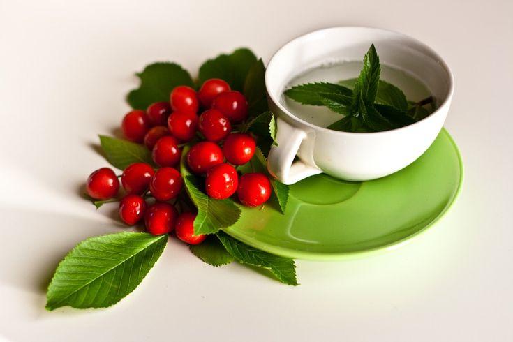 Třešňové listy jsou bohaté na vitamíny A, C, E, kyselinu listovou, hořčík, železo a vlákninu, takže mohou být konzumovány v libovolném množství.