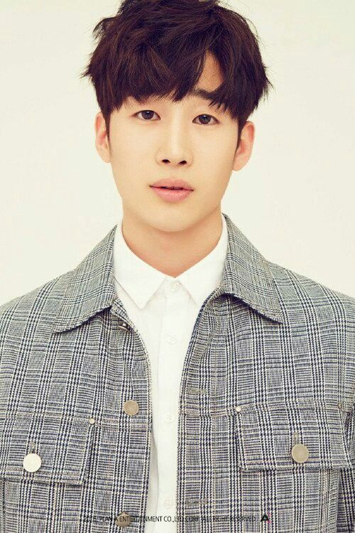 Name: Han Seungwoo (한승우)  Birthday: December 24th, 1994  Height: 184cm  Weight: 63kg  Leader
