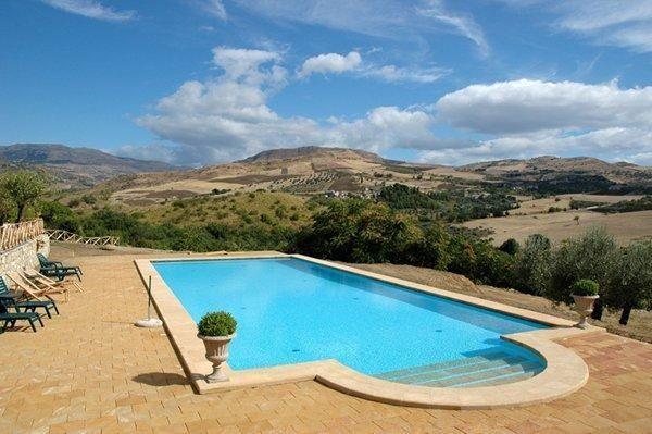 Sicilie – Appartement in karakteristieke boerderij met zwembad en restaurant