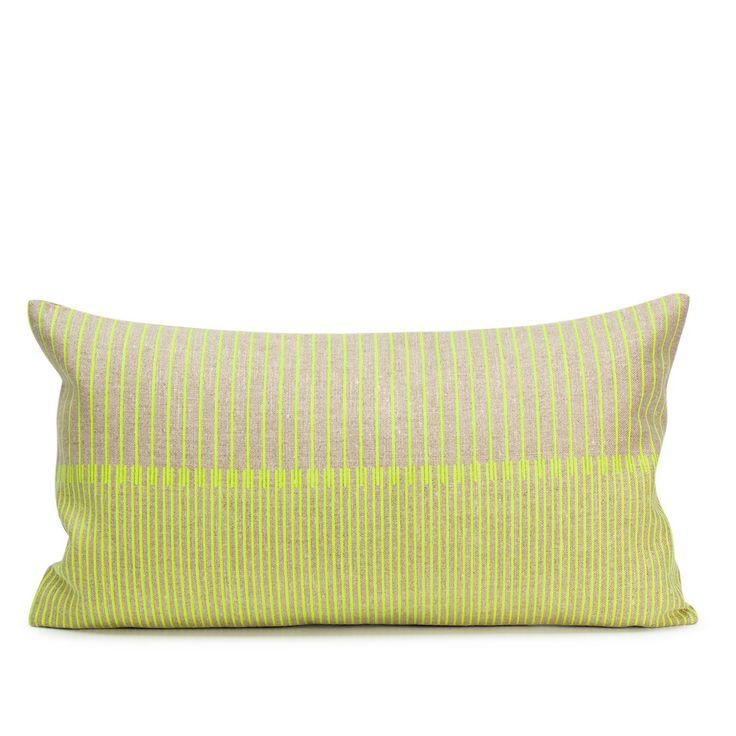 Necto Lumbar Pillow