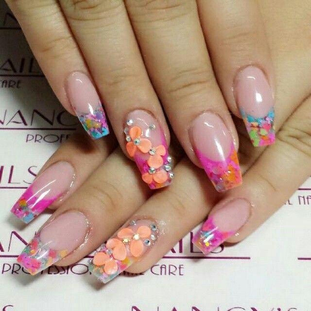 Uñad encapsuladas con cover rosado, neon pink, be collection, 3d, cristales, finish gel