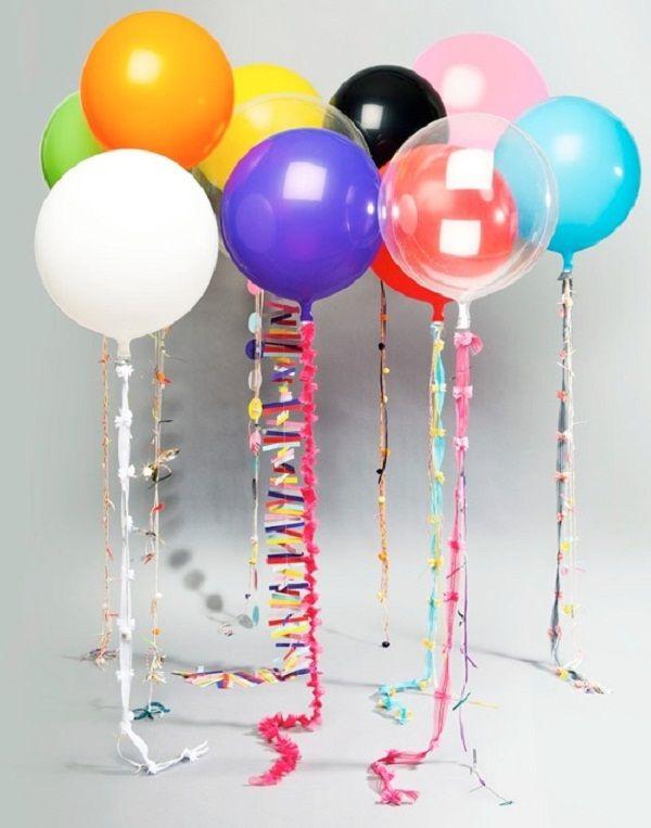 Precisamos de:      • 1 garrafa de litro de plástico,    • Balões (É aconselhável, para obter melhores resultados encha o balão e d...
