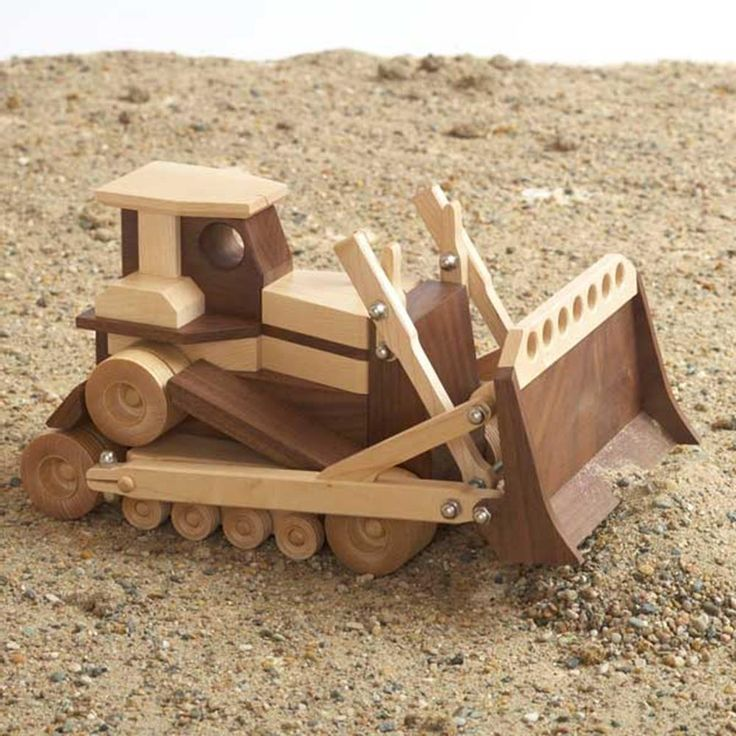 Construction-Grade Bulldozer Woodworking Plan from WOOD Magazine
