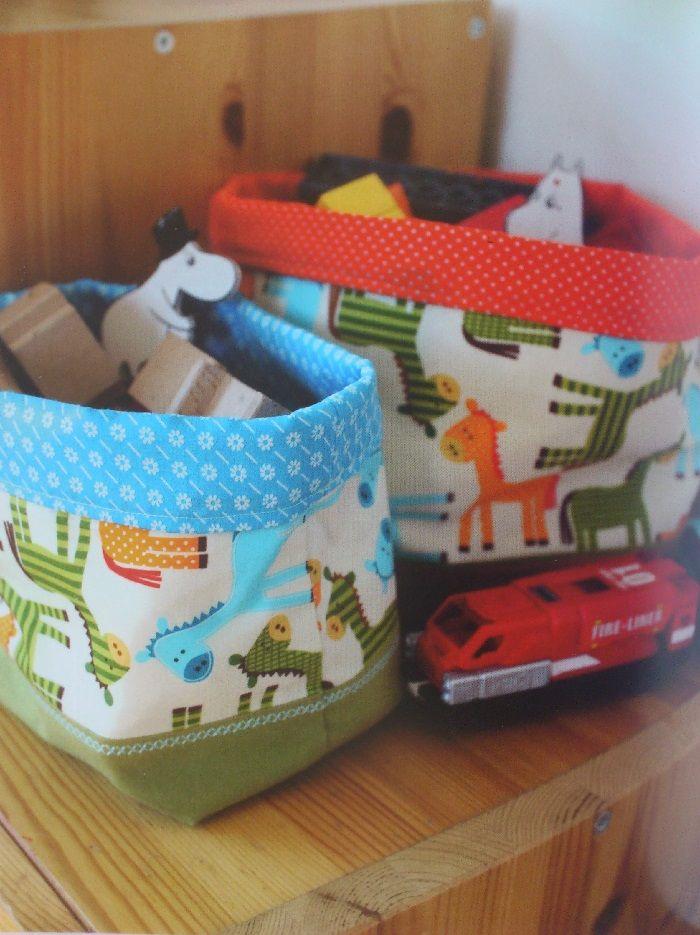 Татьяна Макурова делится идеями и советами, как организовать и декорировать пространство детской комнаты. Для большинства мастер-классов достаточно будет ножниц и швейной машинки.