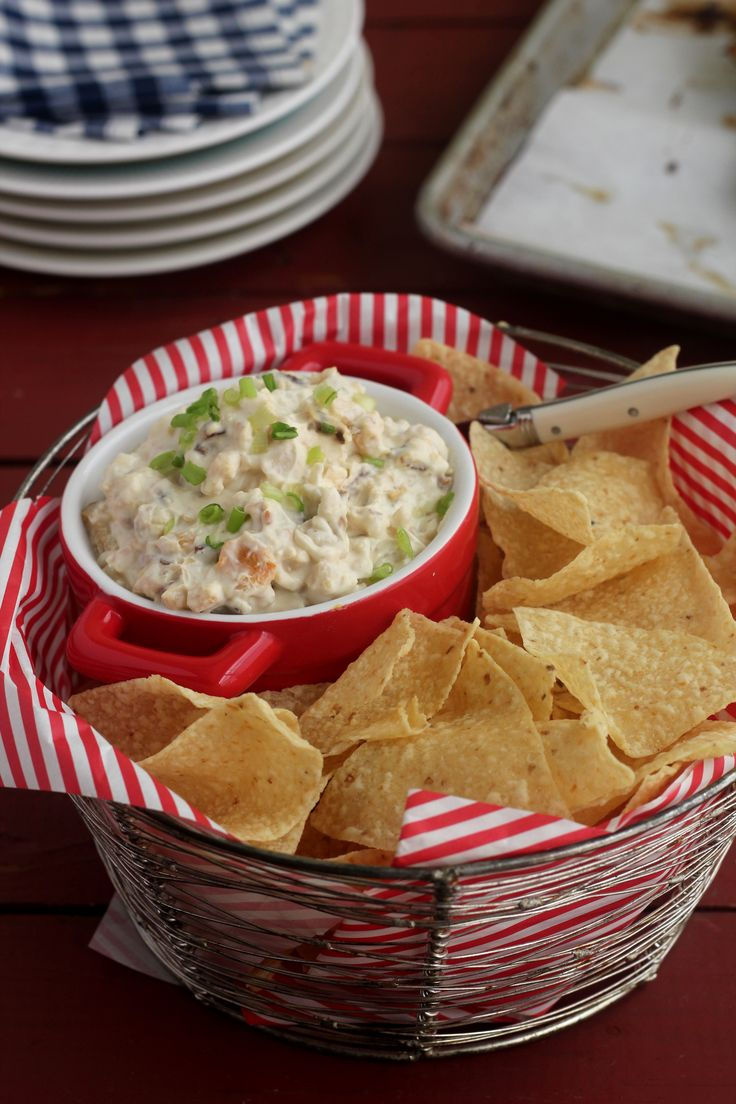 This is a dip dad is sure to like!! Bacon Clam Dip - reminds me of New England and cooking out for dad on the weekends.
