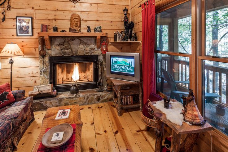 Bear Necessities Adorable 1 Bedroom Cabin On Noisy Creek Mountain Oasis Cabin Rentals Ellijay Ga Cabin Rentals Cabin Home