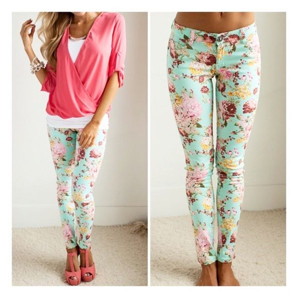 """• Mint Floral Leggings • Beautiful floral and mint jeggings. Model is a size 3/4 wearing a size 3. Material is 96% cotton, 4% spandex.   Available in size: 0, 3, 5, 7, 9, 11, 13  Measuring: Inseam: size 1=30"""", 3= 30"""", 5= 30"""", 7= 30.5"""", 11= 31"""", 13= 31.5""""  Waist: size 1=24"""", 3= 25"""", 5=26"""", 7= 27"""", 9= 28"""", 11= 29"""", 13= 30"""" Jennifer's Chic Boutique  Pants"""