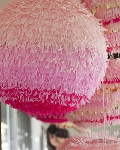 decor pinatas pink