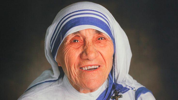 Se cumplen 20 años de la muerte de la santa de los pobres - TrendyMinuto