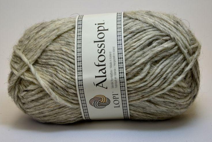 Alafosslopi bestaat uit 100% IJslandse wol en heeft een robuuste uitstraling. De bollen zijn 100 gram met een looplengte van ca. 100 meter. Het garen is geschikt voor naald 5 1/2 - 6 1/2. Verkrijgbaar in 50 kleuren. Alafosslopi 0054 Light Ash Heather