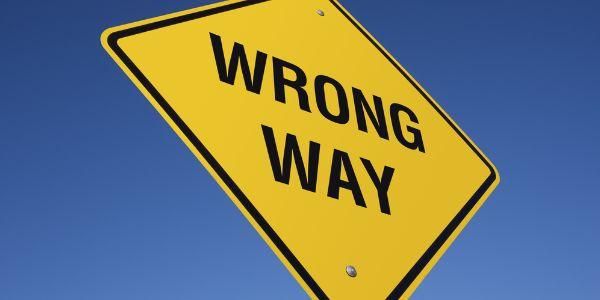 Los 3 errores capitales al comenzar una #web http://www.semseoweb.es/wordpress/los-3-errores-capitales-al-empezar-con-una-web/#more-98