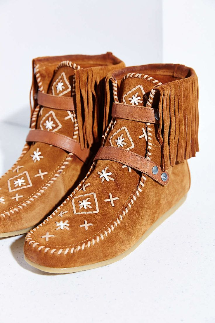 Best 25 Moccasin Boots Ideas On Pinterest