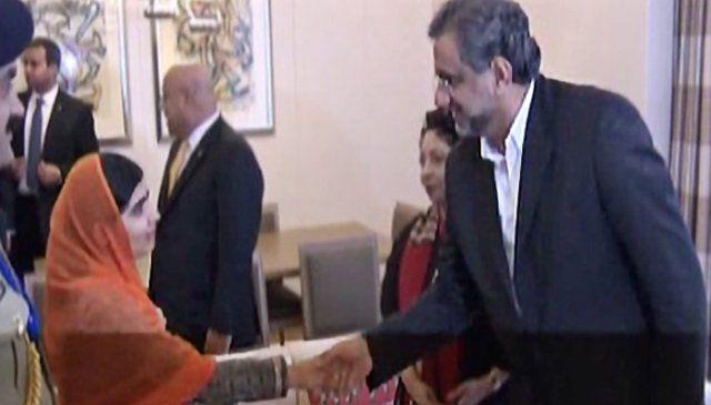 Malala meets PM Abbasi, seeks support to promote education in Pakistan   Pakistan - https://www.pakistantalkshow.com/malala-meets-pm-abbasi-seeks-support-to-promote-education-in-pakistan-pakistan/ - https://i1.wp.com/www.geo.tv/assets/uploads/updates/2017-09-21/159073_9044615_updates.jpg?w=640&ssl=1