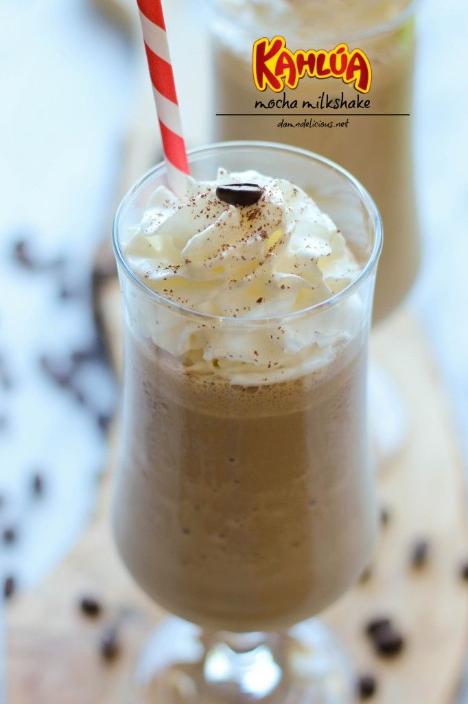 Kahlua Mocha Milkshake - Coffee, chocolate and booze all in one glorious milkshake that comes together in less than 5 min! #drink #coffee #chocolate #kahlua #milkshake
