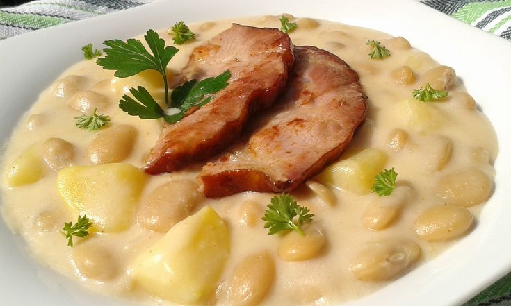 Bílé fazole s bramborami a smetanou recept - TopRecepty.cz