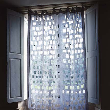 Rideau moucharabieh: Voilag, Dramatic Window, Mary Claire, Features Window Doors