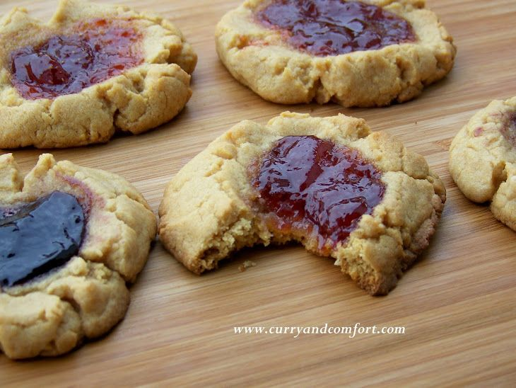 Peanut Butter and Jelly Cookies | Yummm | Pinterest