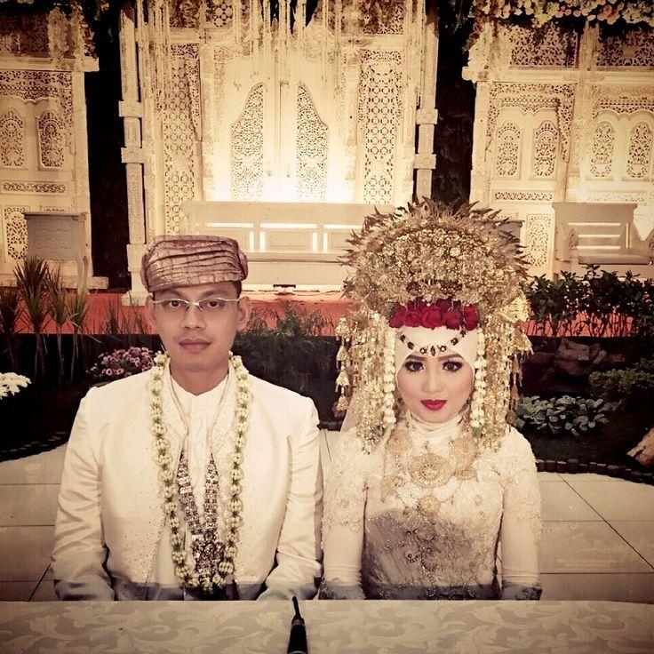 Lovely bride & groom..smg samawa yaa..Aamiin