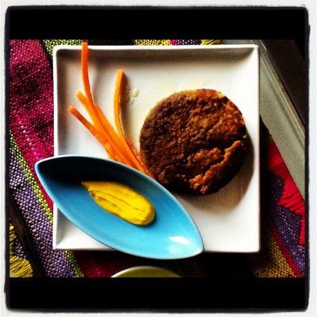 Burgher di lenticchie con salsa di yogurt e zafferano dal blog di Marco Bianchi per fare scorta di ferro!
