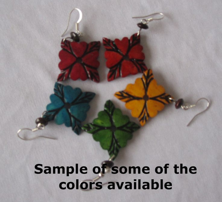 Accessories : Small Flower Shaped Earrings
