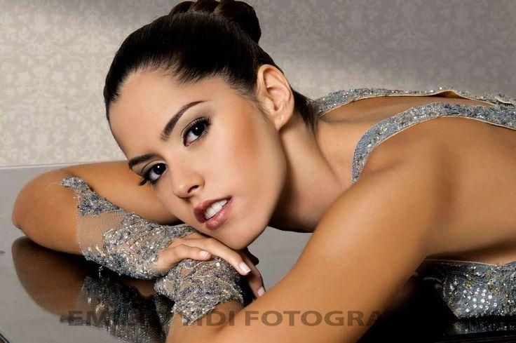 Curves of Colombia - Señorita Atlántico - grandma I have got a chill in my bones - Heyy Heyyy - by Emilio Yidi Daccarett https://www.facebook.com/emilio.daccarett - model Paulina Vega Dieppa http://instagram.com/p/g3BeTByOuE/ - number one today http://listas.20minutos.es/lista/miss-universe-2014-386352/ - #Paulina_Vega - #Paulina_Vega_Dieppa - #Emilio_Yidi_Daccarett