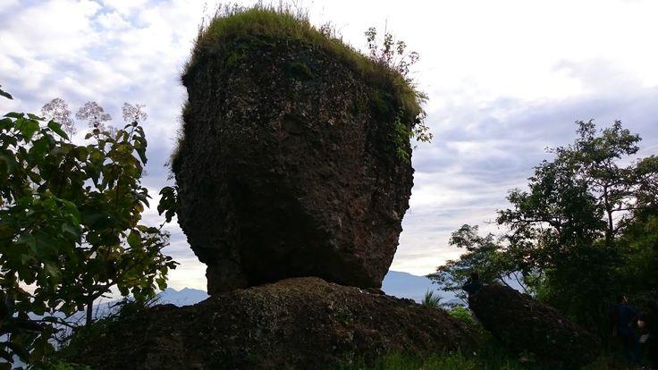 Watu Kendil Keindahan Batu Seperti Periuk di Magelang - Jawa Tengah