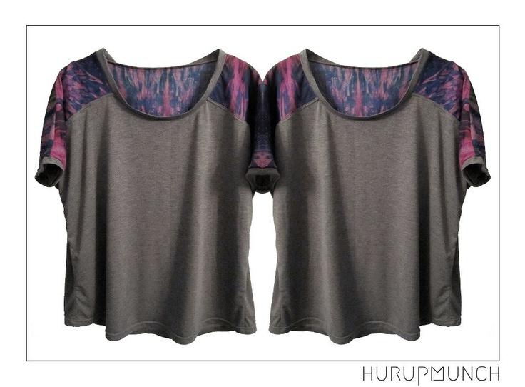 Cotton jersey t-shirt with cotton/silk mix part over shoulder.  Dkk: 549,-