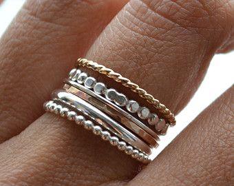 12 anillos de apilamiento oro 14k llena y bandas de plata