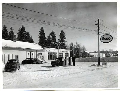 Akershus fylke Sørum kommune, Esso bensinstasjon Lørenfallet s, Egner 1962