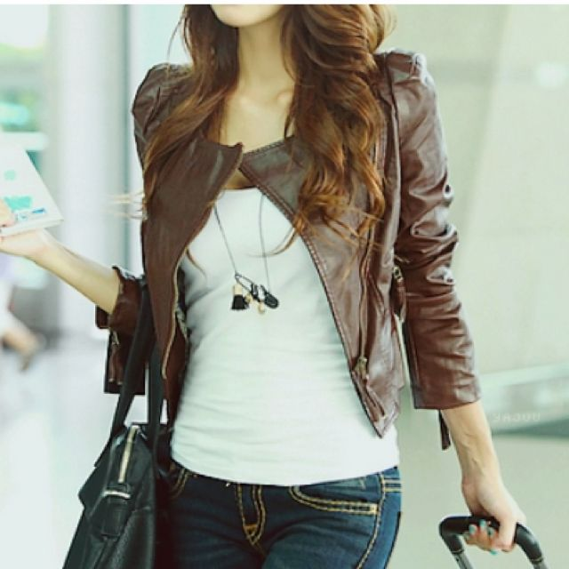 Love the Leather Jacket: Style, Airports, Cute Outfits, Jeans, Brown Leather Jackets, Travel, Coats, Cute Jackets, Tanks