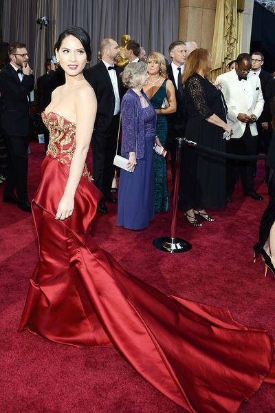 DIE OSCAR-VERLEIHUNG  Gestern fand die Oscar-Verleihung statt und neben den Darstellern und Oscar-Gewinnern spielte natürlich die Mode der Stars wieder eine große Rolle... - fasheria.com