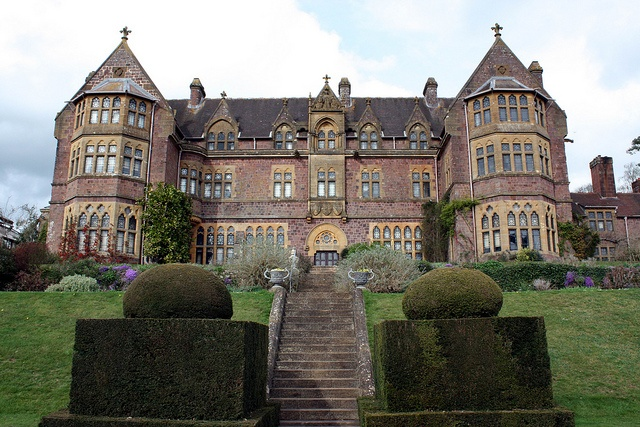 2086 best images about castles manors and country houses for Victorian manor house