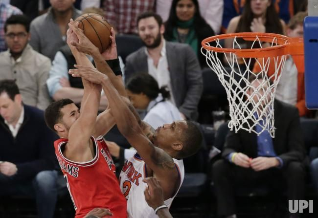 New York Knicks Lance Thomas puts his hands in the face of Chicago Bulls Michael Carter-Williams at Madison Square Garden in New York City…