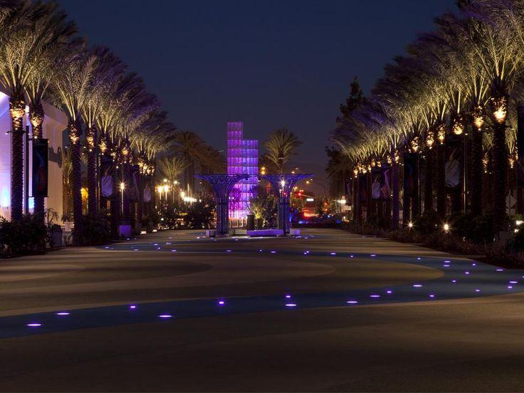 Grand Plaza, Anaheim. U.S.A.